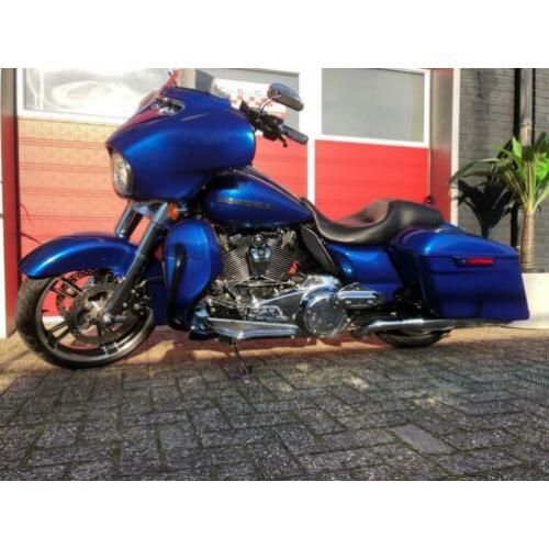 Harley Davidson Tour 107 FLHXS Street Glide Special Screamin