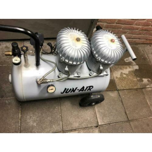 Jun-Air still compressor 2 kops 50 liter tankinhoud